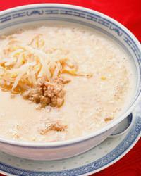 金胡麻の旨味あふれる坦々麺